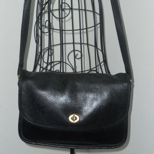 COACH BLACK VINTAGE SHOULDER BAG